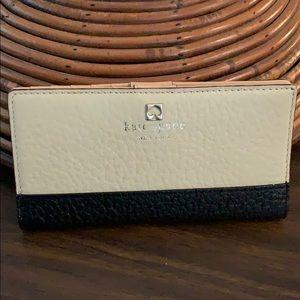 📌 Kate Spade New York Color block Large Wallet